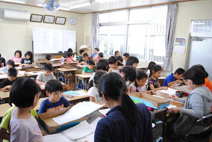 津嘉山珠算塾教室内